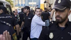 F. J. M., único acusado del doble crimen de Almonte, a su llegada a los juzgados