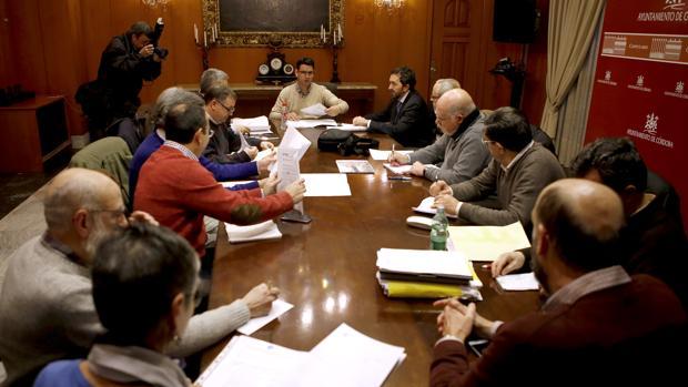Mesa de veladores en el Ayuntamiento de Córdoba