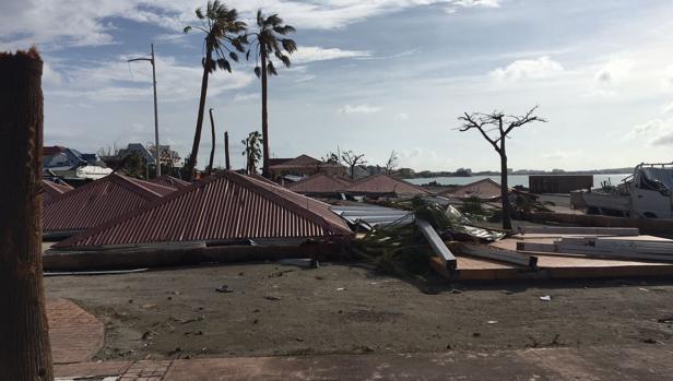 Casas destrozadas en la isla Saint Martin tras el paso del huracán Irma