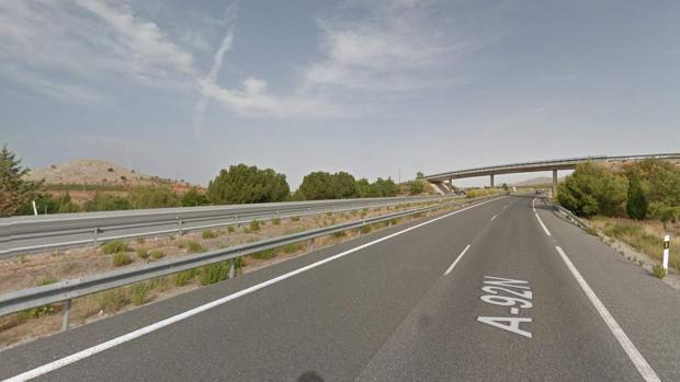 Vía en la que se produjo el accidente, a la altura de Cúllar (Granada)