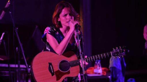 Gloria Ariza, de «Ariza on Sticks», durante un concierto