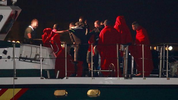 También el miercoles llegó rescataron a otra patera con 23 inmigrantes en Almería