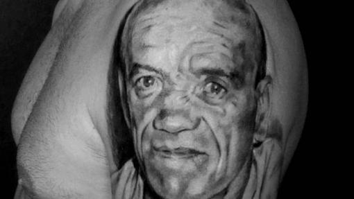 Tatuaje de un rostro realizado en el estudio Buffo Tattoo