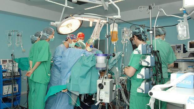 El número de cordobeses pendientes de una operación no urgente se sitúa en los 5.296