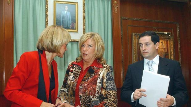 García Marcos, la exalcaldesa Yagüe y Carlos Fernández, en 2004