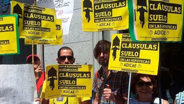 Protesta contra las cláusulas abusivas