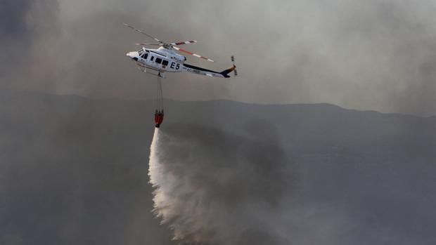 Una aeronave de Medio Ambiente en el pasado incendio en Minas de Riotinto en Huelva