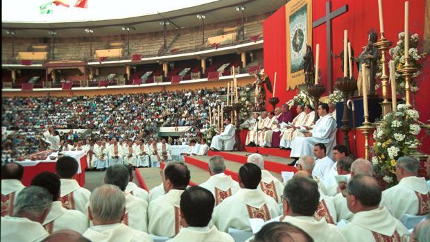 Eucaristía en la plaza de toros de Córdoba, con motivo del jubileo del 2000