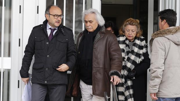 Rafael Gómez saliendo de los juzgados