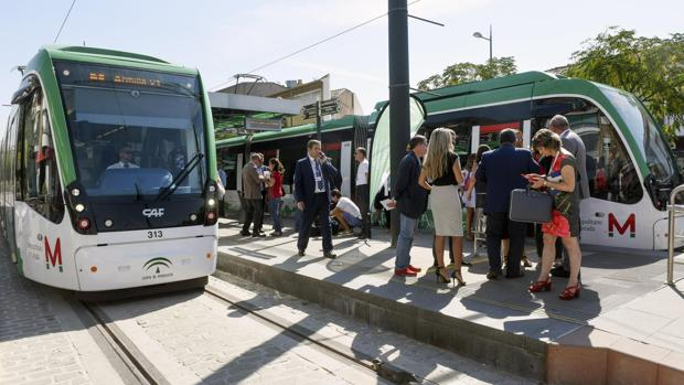 La concurrida inauguración del Metro de Granada tras una década de espera