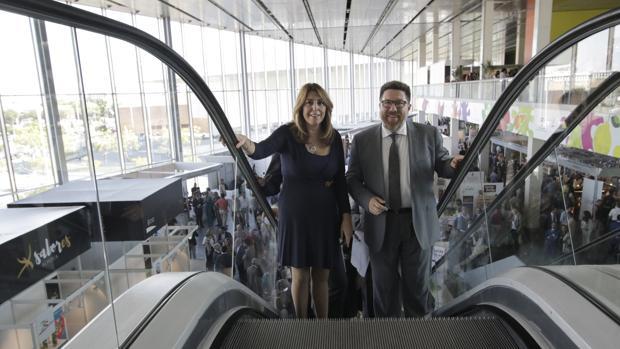 Susana Díaz con el consejero de Agricultura, Rodrigo Sánchez Haro, este lunes en Fibes