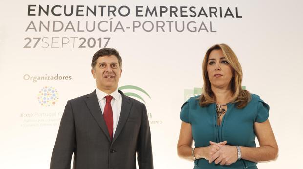 Susana Díaz y el ministro de Economía de Portugal, Manuel Caldeira, en la apertura del encuentro empresarial