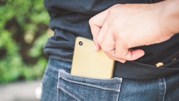 Sustracción de teléfono móvil