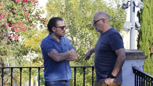 Ray Loriga y Guillero Arriaga conversan en el Palacio de Orive