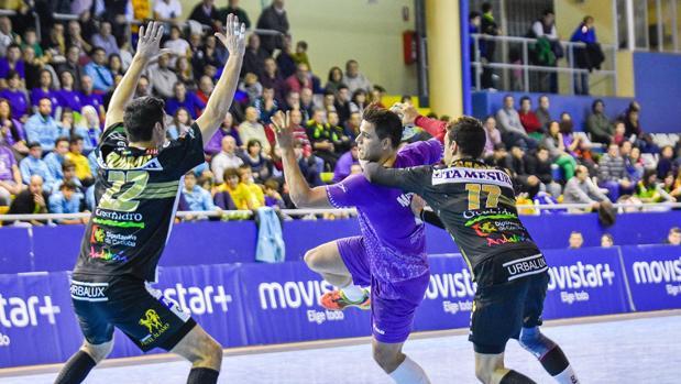 Instantánea del partido entre el Quabit Guadalajara y el Ángel Ximénez