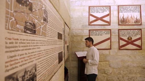 Textos de sambenitos en la exposición