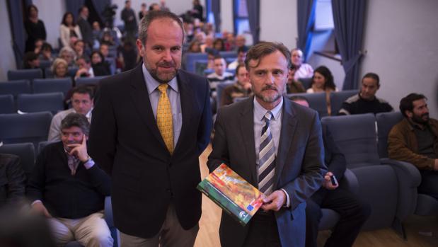 Franciso de Paula Algar junto al consejero de Medio Ambiente José Fiscal