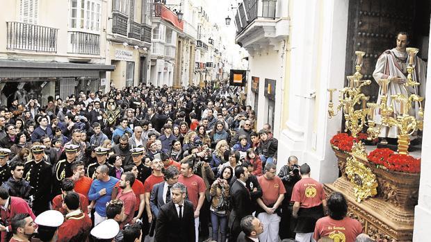 Salida del Ecce-Homo de San Pablo, al inicio de la calle Ancha.