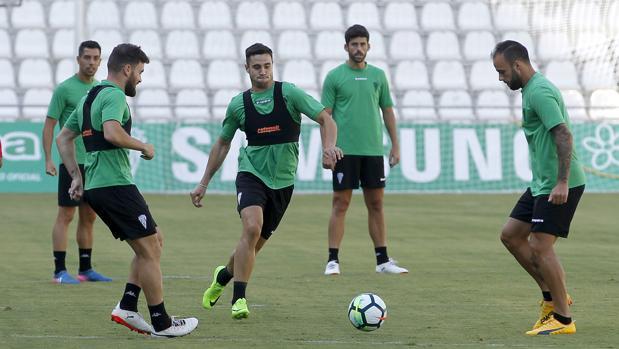 El extremo izquierdo del Córdoba CF Jaime Romero