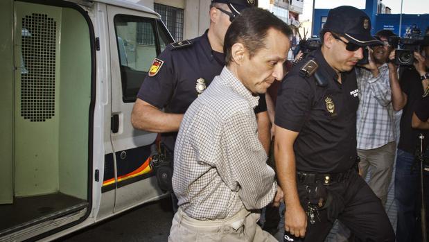 Bretón a su llegada a los juzgados de Huelva