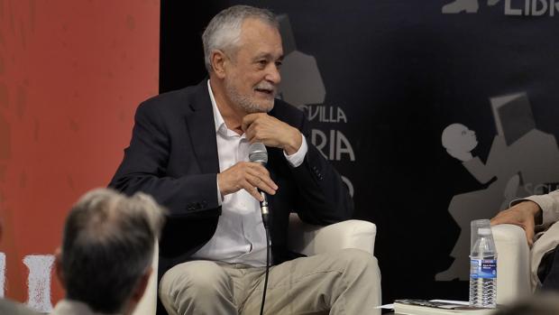 José Antonio Griñán, en la última feria del libro de Sevilla