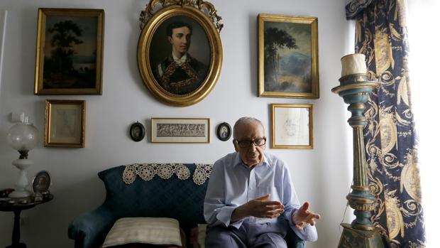El poeta cordobés, en su domicilio a finales de octubre de 2017