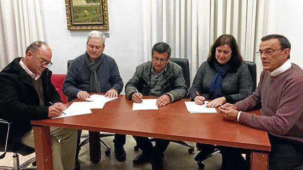 La firma de un acuerdo evitó la moción en enero y dio pie a la denuncia del caso Aljaraque