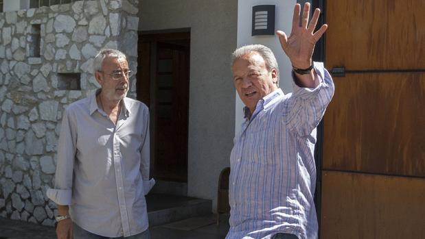 Pedro Pacheco, a su llegada a su domicilio al disfrutar ya de su primer permiso