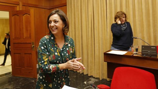 La alcaldesa, Isabel Ambrosio, en el Pleno del jueves