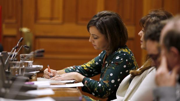 La alcaldesa el jueves durante el debate sobre el estado de la ciudad