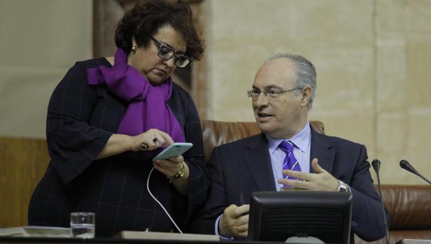 El presidente del Parlamento, Juan Pablo Durán, durante la última sesión plenaria
