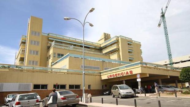 La joven llevó a su bebé, ya casi sin vida, al hospital Costa del Sol