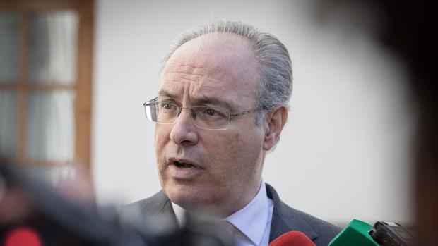 Juan Pablo Durán dando explicaciones a los medios el pasado jueves
