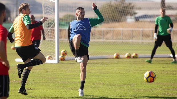 El defensa cordobés del Córdoba CF José Manuel Fernández