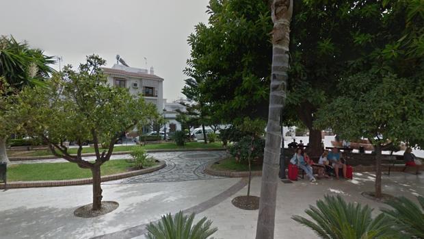 El incendio se ha producido en una vivienda de la plaza Cantarero de Nerja