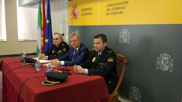 El subdelegado del Gobierno, con responsables policiales