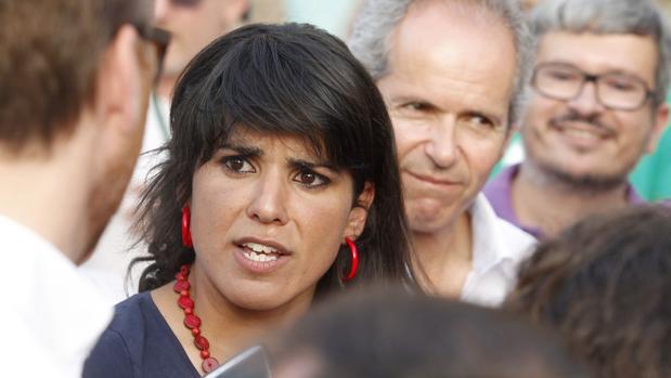 Teresa Rodríguez en un acto de campaña de Ganemos en 2015
