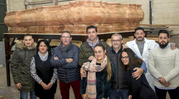 Jaciento Plaza y José Manuel Verdulla, en el taller de los Hermanos Caballero