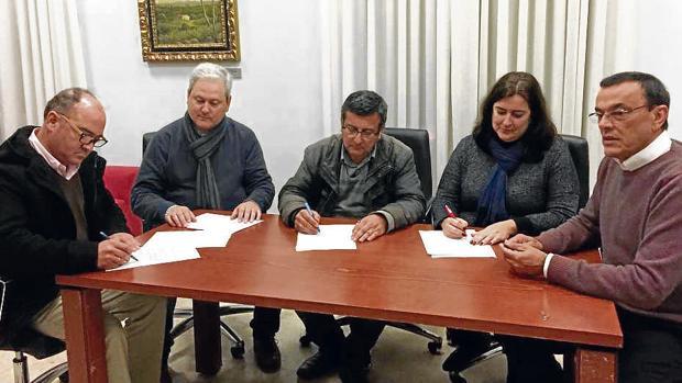 Firma que evitó la moción de censura de Aljaraque