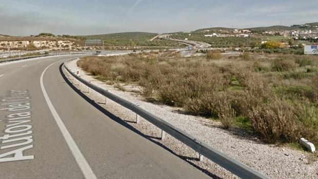 El accidente ha tenido lugar en la Autovía del Olivar, a su paso por Martos