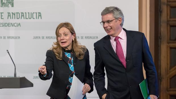 Marina Álvarez y Juan Carlos Blanco, este martes en rueda de prensa