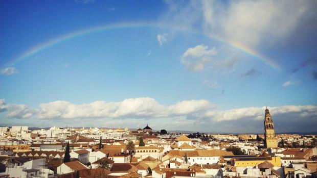 El arcoíris cruza el cielo cordobés