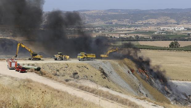 Labores de extinción del incendio