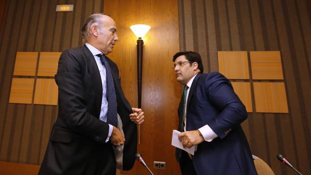 Luis Oliver y Jesús León, en la rueda de prensa