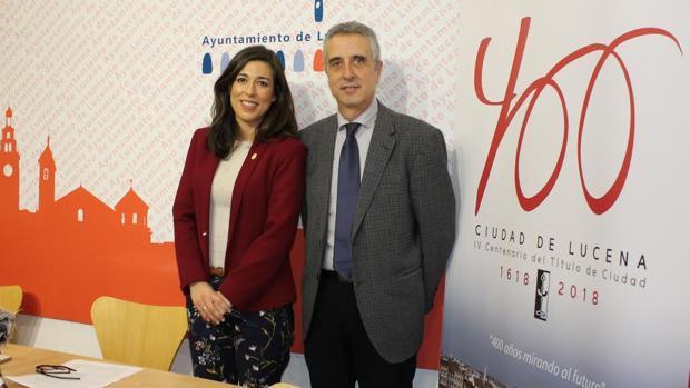 Teresa Alonso y Juan Pérez, en la presentación del programa para el 400 aniversario como ciudad
