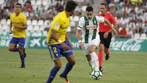 Jaime Romero durante el primer partido de la temporada ante el Cádiz CF