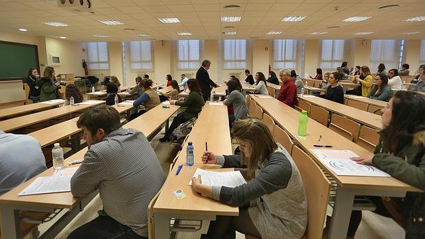 Un aula llena de opositores