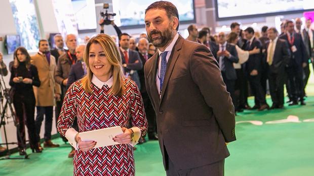 Susana Díaz junto al consejero de Turismo, Javier Fernández