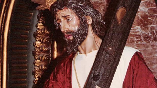 El Señor de los Reyes con la túnica que la cofradía ha donado a la Bondad