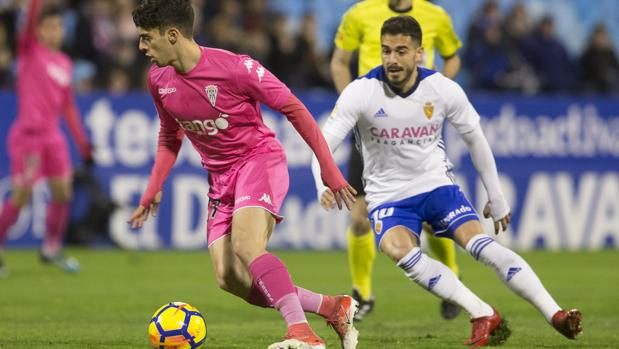 El joven Álvaro Aguado ha sido titular con el Córdoba CF ante el Zaragoza